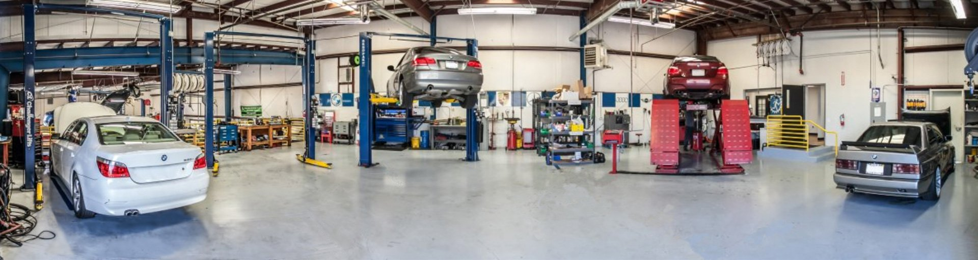 Panoramic View of Ryan GMW Auto Repair Shop